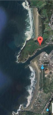 Ahora estamos en la Playa de San Juan de Nieva(en la parte derecha de la playa de Salinas)!!😉👍